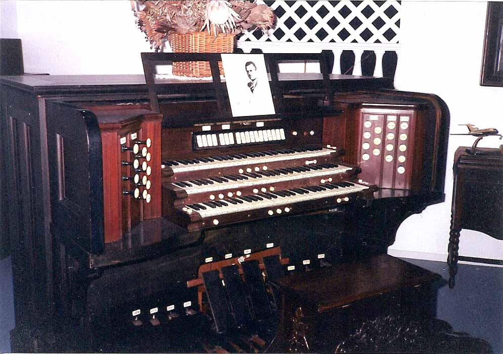 Ernest M. Skinner Co. organ, Op. 217 (1913) built for the Alaska Theater (Seattle, WA)