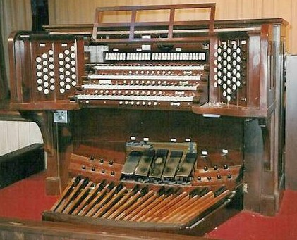 Ernest M. Skinner Co. organ, Op. 265 (1916) in the Municipal Auditorium (Portland, OR)