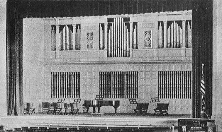 Skinner Organ, Op. 292 (1919) in East Side High School (Cincinnati, OH)
