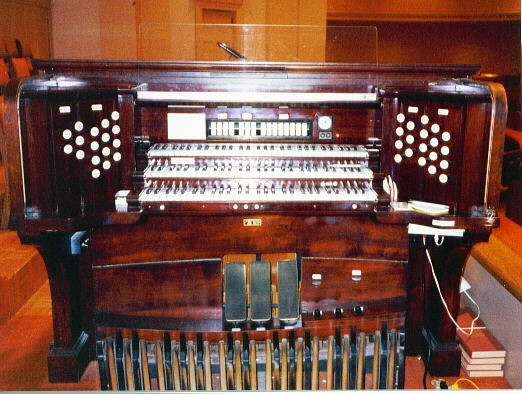 Skinner Organ, Op. 511 (1925) in First Baptist Church (Murfreesboro, TN)
