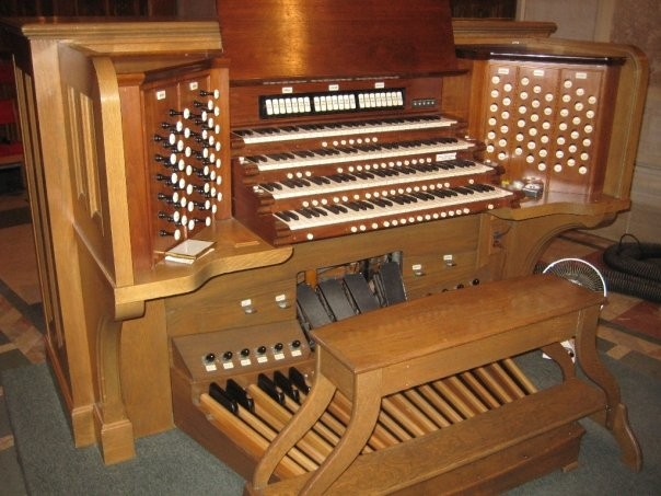 Skinner organ, Op 820 (1930) in Cathedral Church of Our Lady, Queen of the Holy Rosary, R.C. (Toledo, OH)