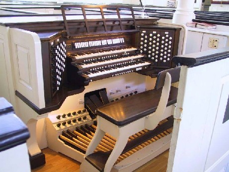 Skinner organ, Op. 682 (1931) in Old St. Peter's Episcopal Church (Philadelphia, PA)