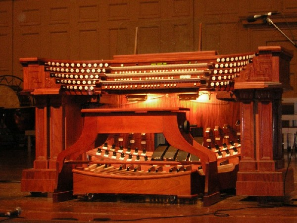 Foley-Baker Console (2004) on Aeolian-Skinner organ, Op. 1134 (1949) in Symphony Hall (Boston, MA)
