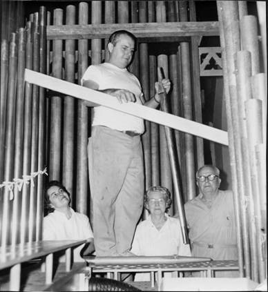 The Williams family during the 1966 rebuild of Opus 1173, First Presbyterian Church, Kilgore, TX